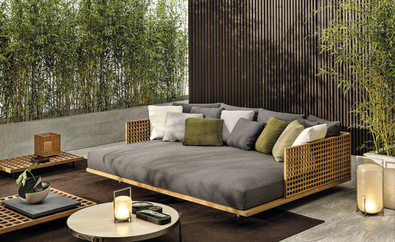 Quadrado double daybed by Minotti