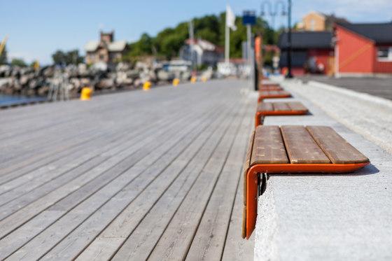 Corner bench by Vestre