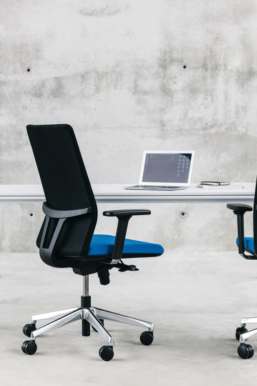 Movado office chair di ENEA
