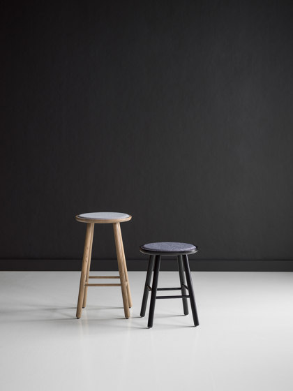 ZigZag table round 110(50)x110cm oak oiled de Hans K