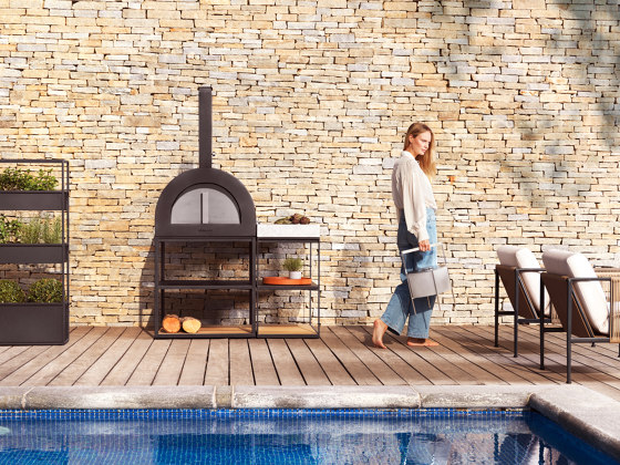 BBQ Wood Oven | Anthracite by Röshults