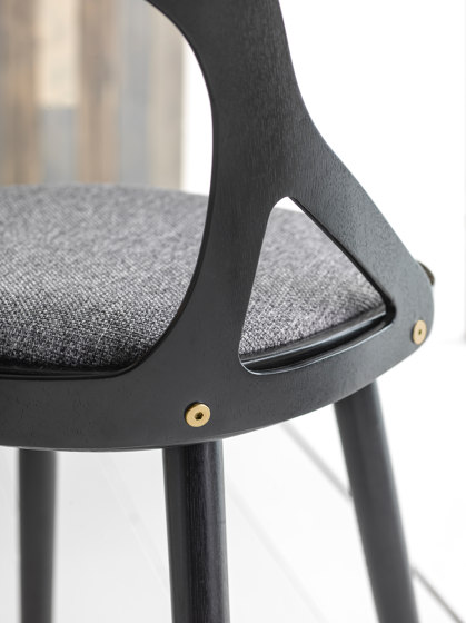 Colibri barstool 63cm oak grey, bonded leather black emb de Hans K