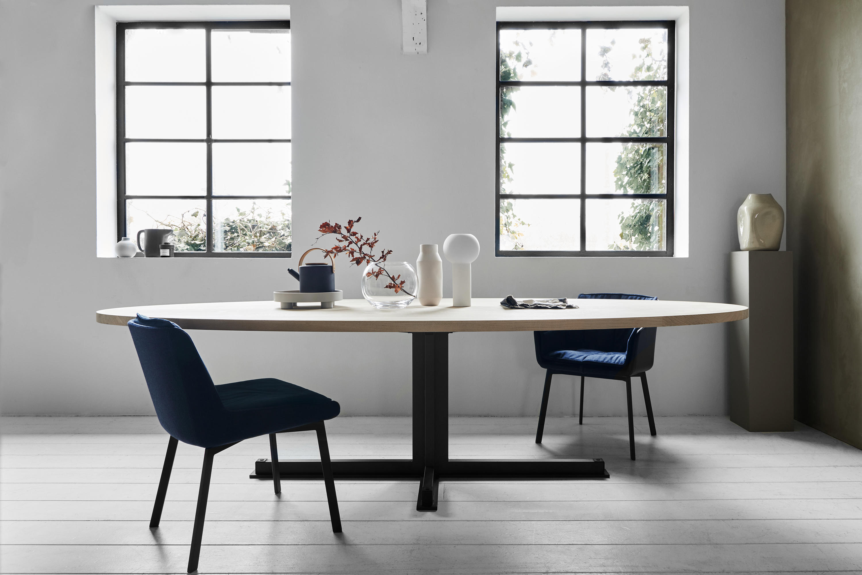 Cross Oval Dining Table Architonic