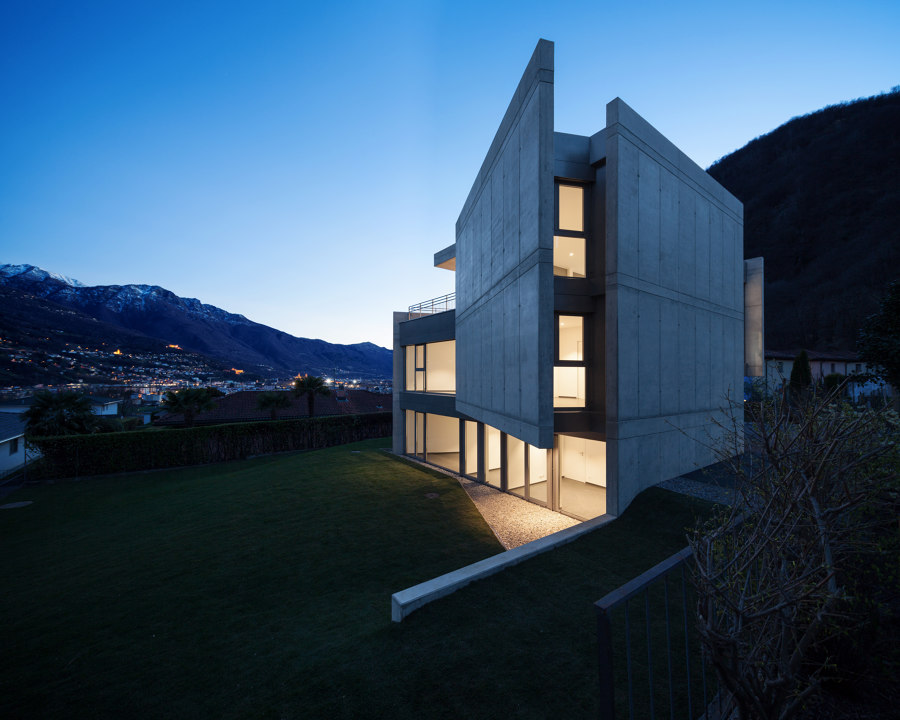 SWISS HOUSE XXXIV von Davide Macullo Architects | Einfamilienhäuser