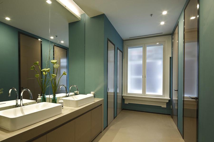 Christie's by Vudafieri-Saverino Partners   Office facilities