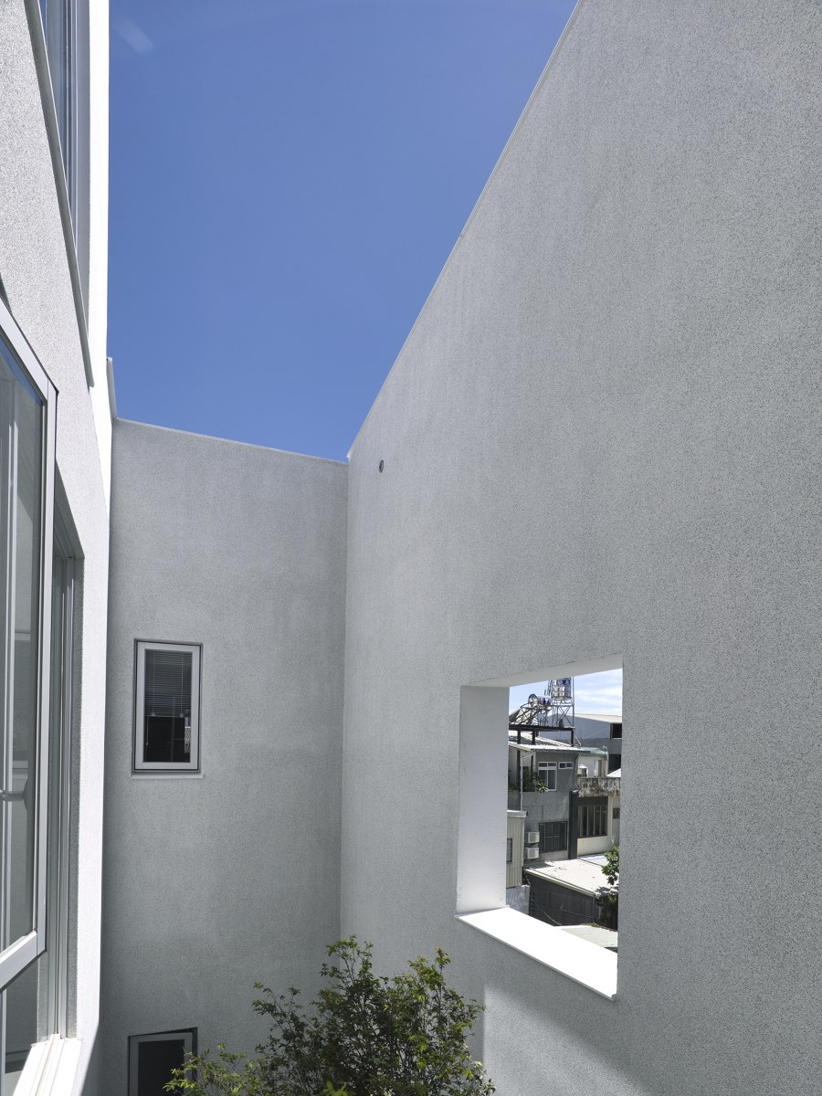 The Residence in Township by Goodjoy Architecture | Detached houses