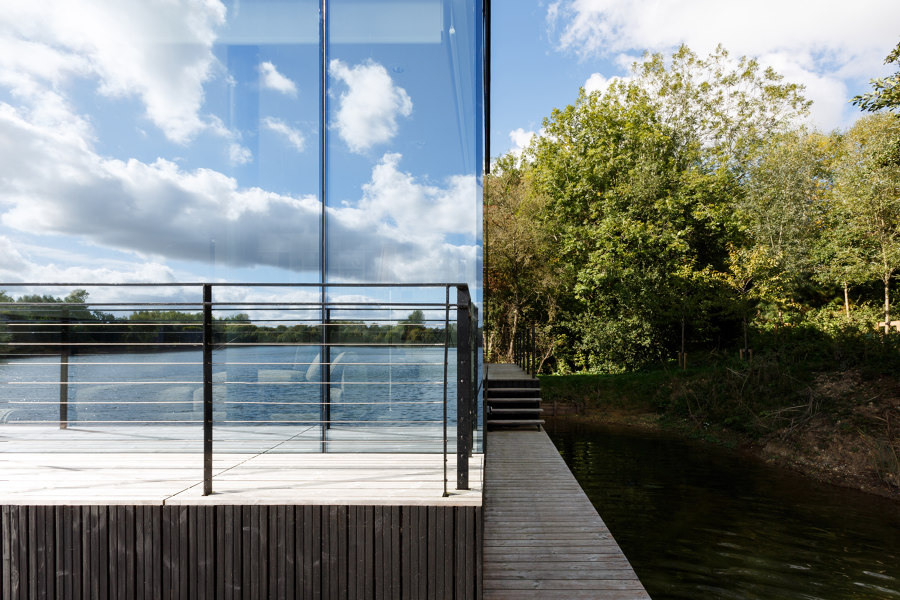 Glass Villa on the lake by Mecanoo | Detached houses