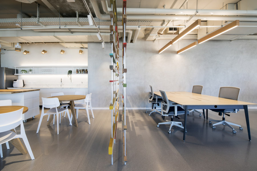 OTOMA Offices by Shirli Zamir Design Studio   Office facilities