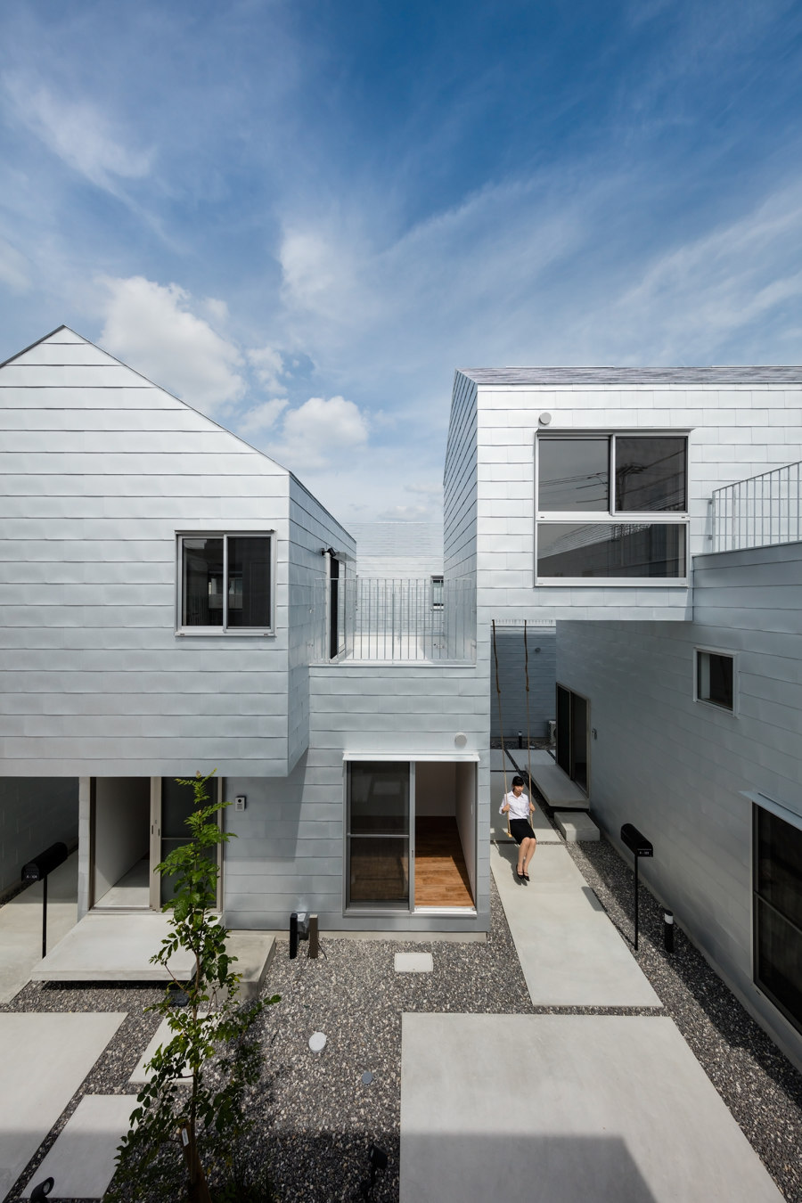 Chronos Dwell by Masahiko Fujimori | Detached houses