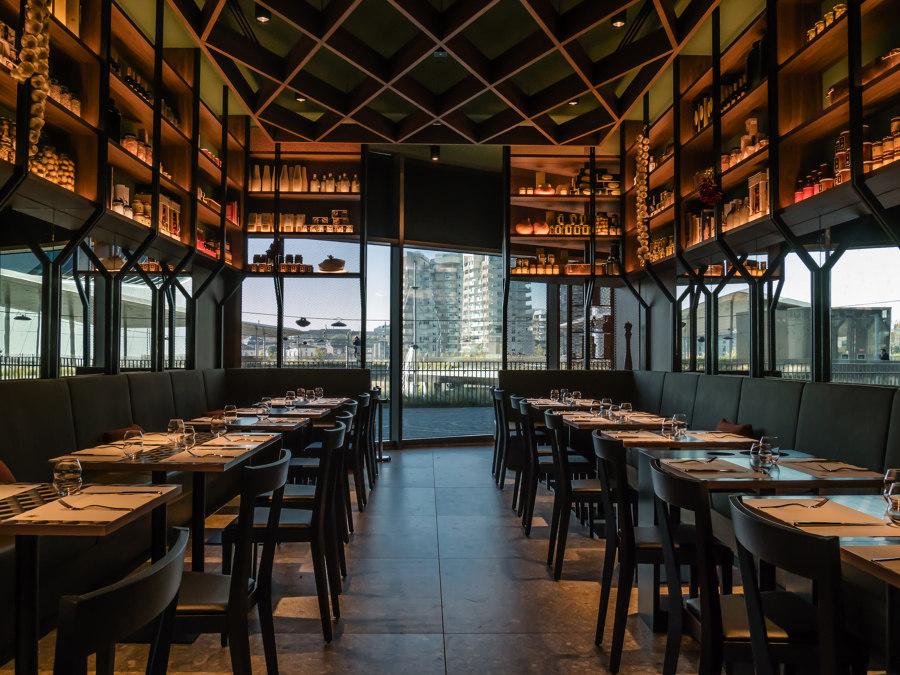 Peck CityLife by Vudafieri-Saverino Partners   Café interiors