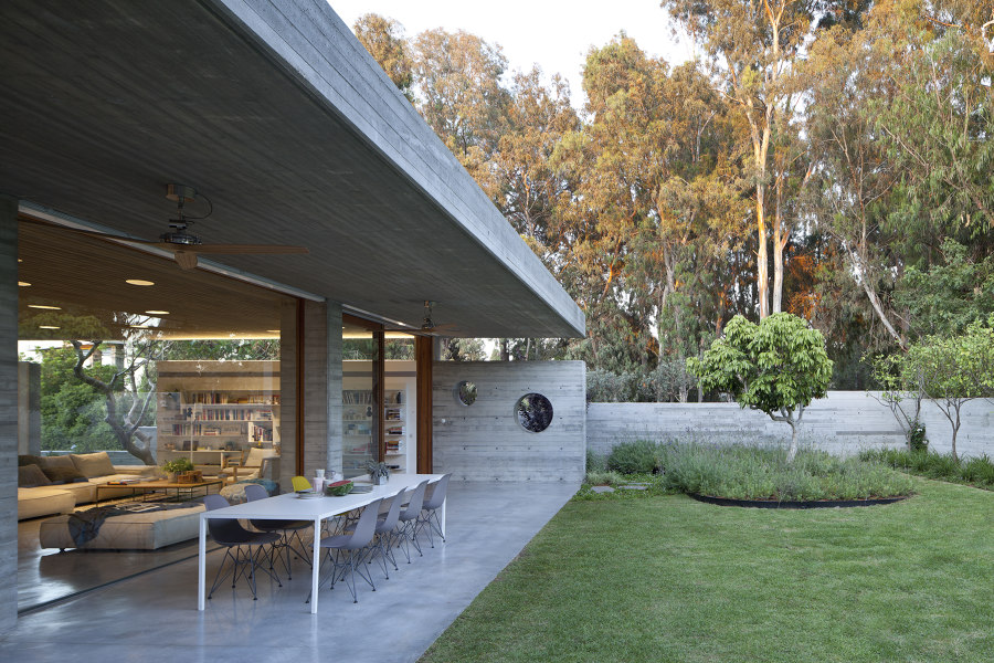 A House for an Architect by Pitsou Kedem Architects | Detached houses