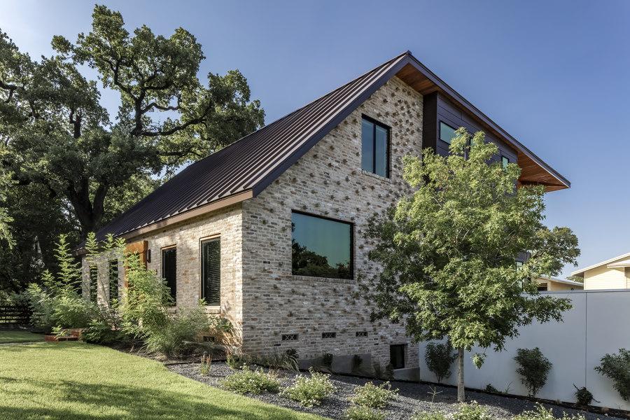 Mullet House by Matt Fajkus Architecture   Detached houses