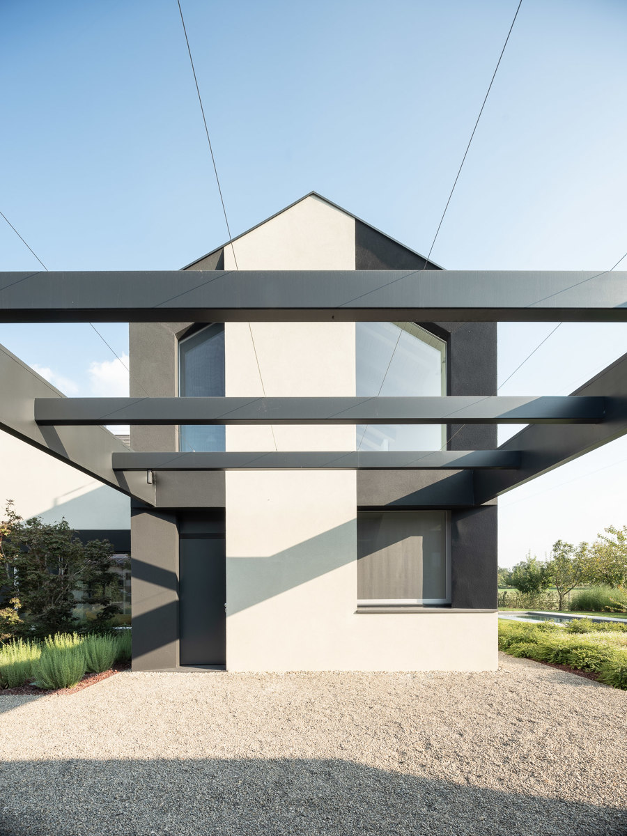 HHCR House by NAT OFFICE | Detached houses