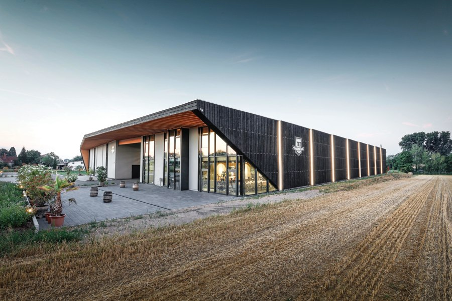 Weingut Nett von Architects Collective | Industriebauten