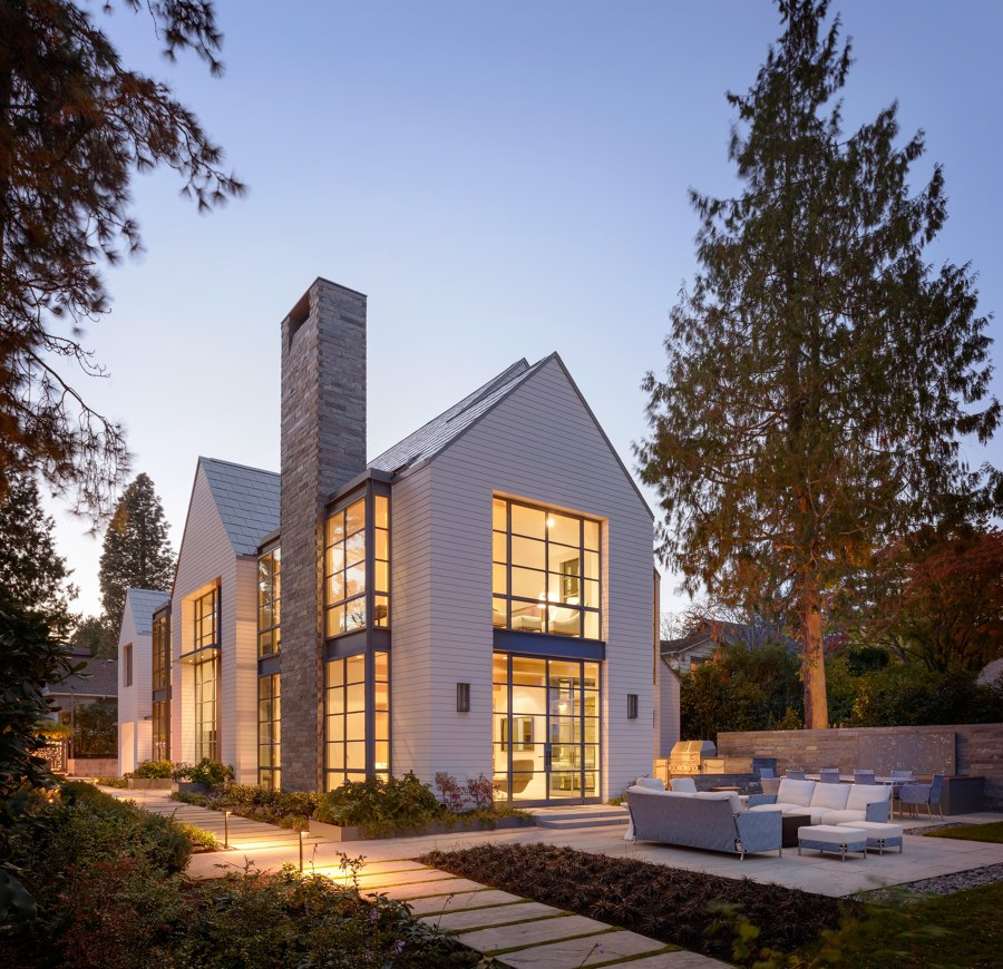 Lake Cove Residence by Stuart Silk Architects | Detached houses