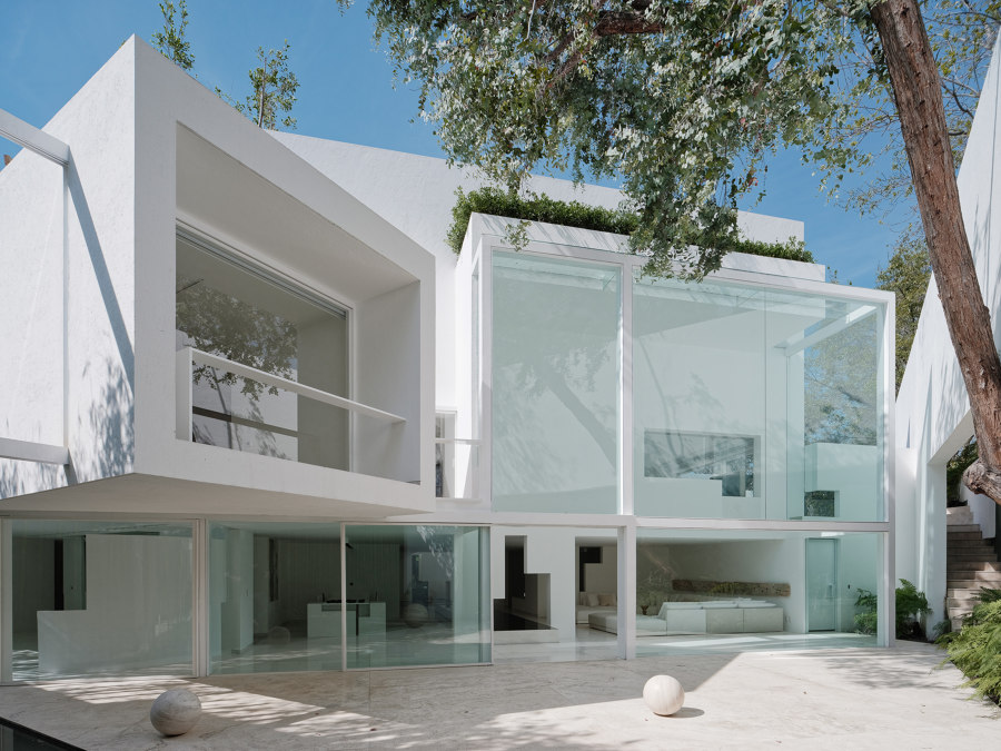 Rombo IV by Miguel Angel Aragones | Detached houses