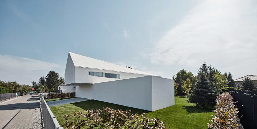 Quadrant House by Robert Konieczny KWK Promes | Detached houses