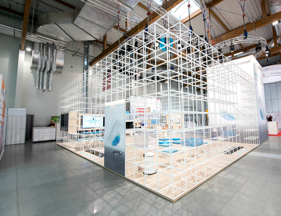 Coloplast Fair Stand by GRID System APS   Manufacturer references