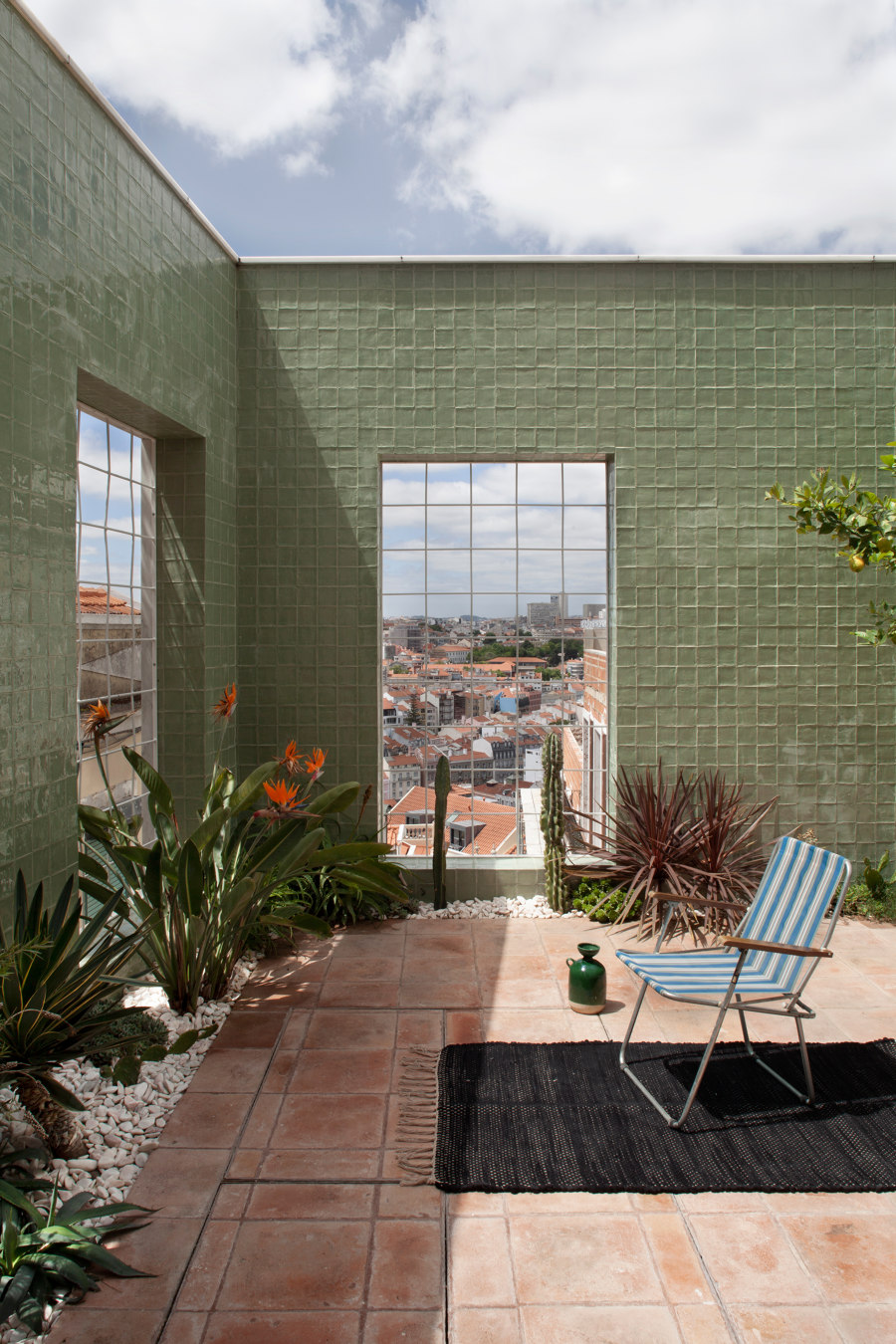 Casa do Monte by Leopold Banchini Architects | Living space