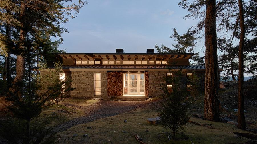 Hillside Sanctuary by Hoedemaker Pfeiffer | Detached houses