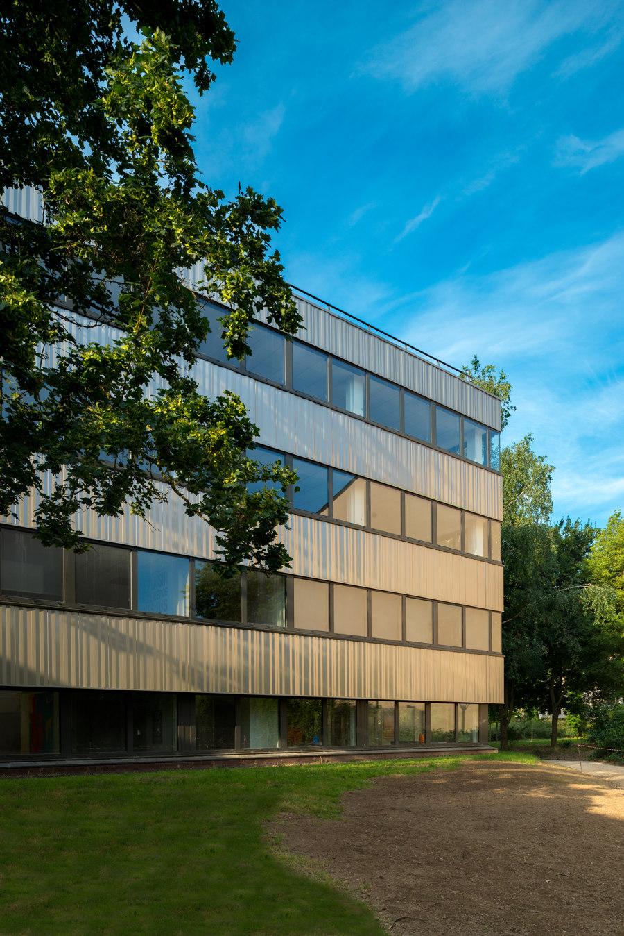 Landmark refurbishment with Granite® Silky Shine von ArcelorMittal | Herstellerreferenzen