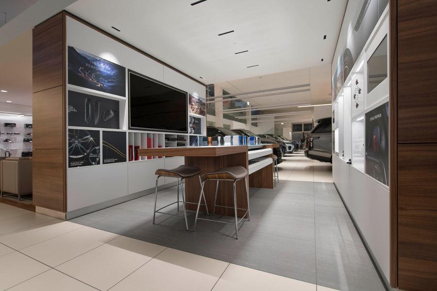 Jaguar Land Rover Corporate Design Floor von ArsRatio | Herstellerreferenzen