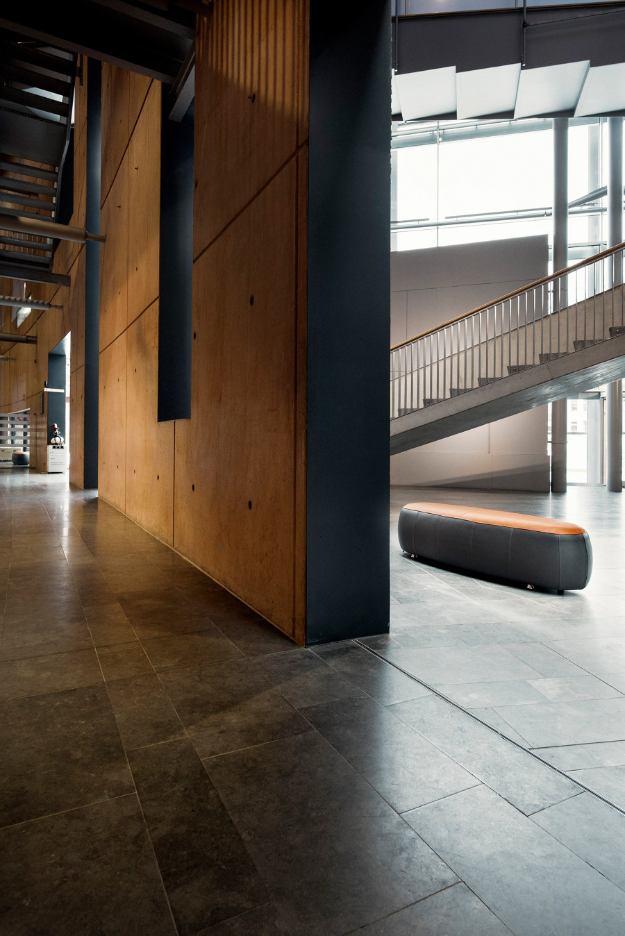 Limburgs Museum by Leolux LX   Manufacturer references