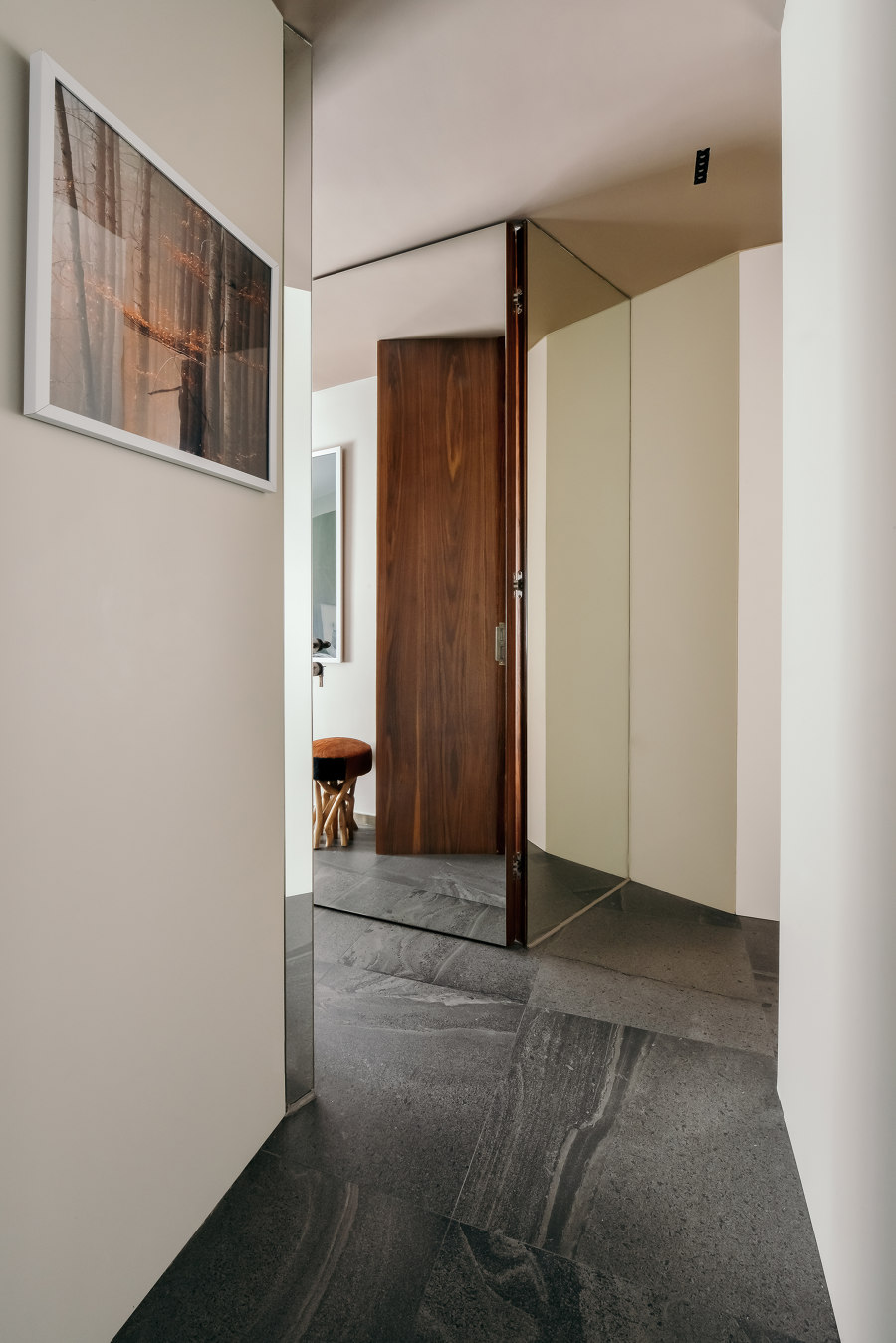 A Folding Residence by GE Design | Living space