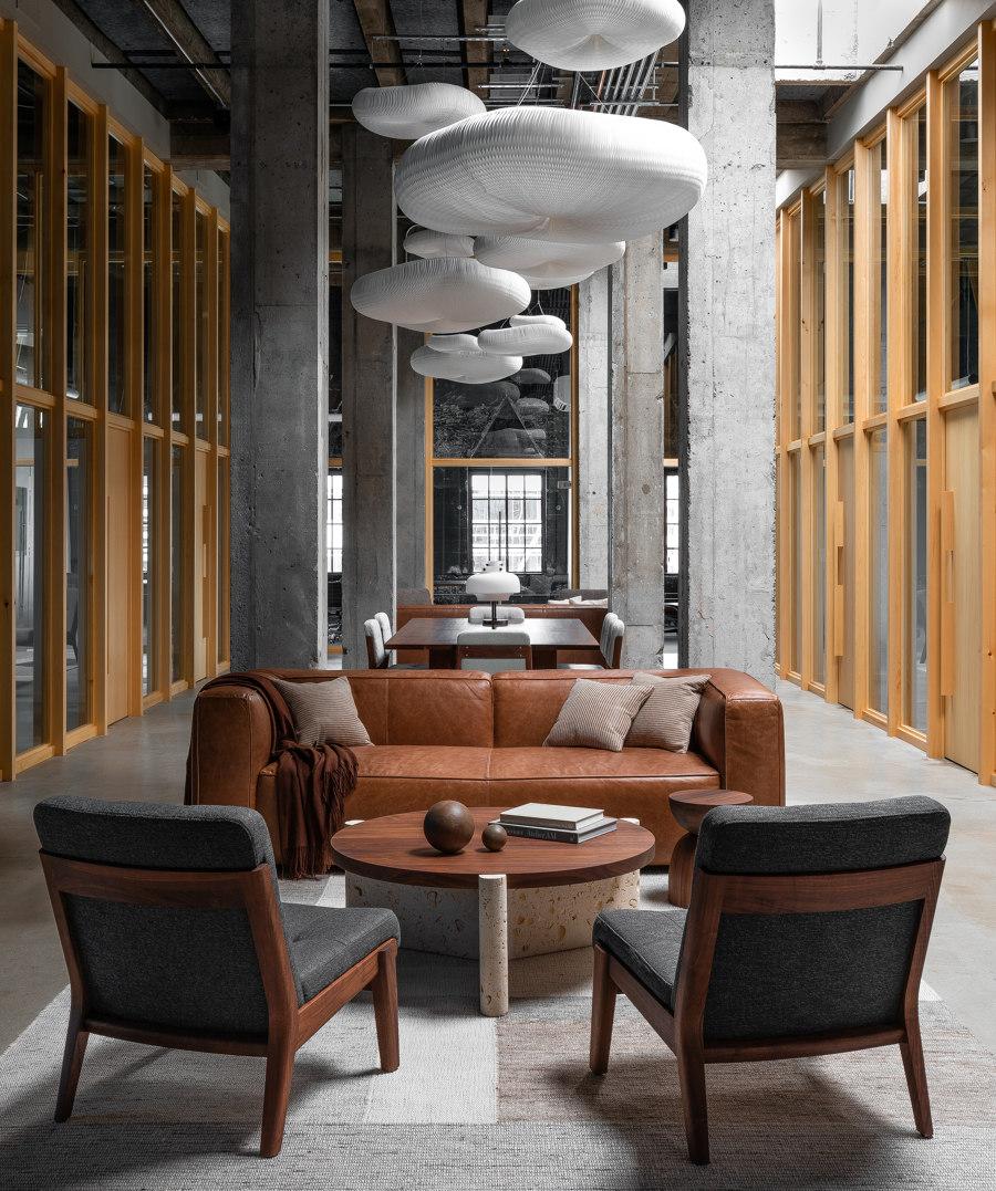 Studio Penthouse by JHL Design | Office facilities