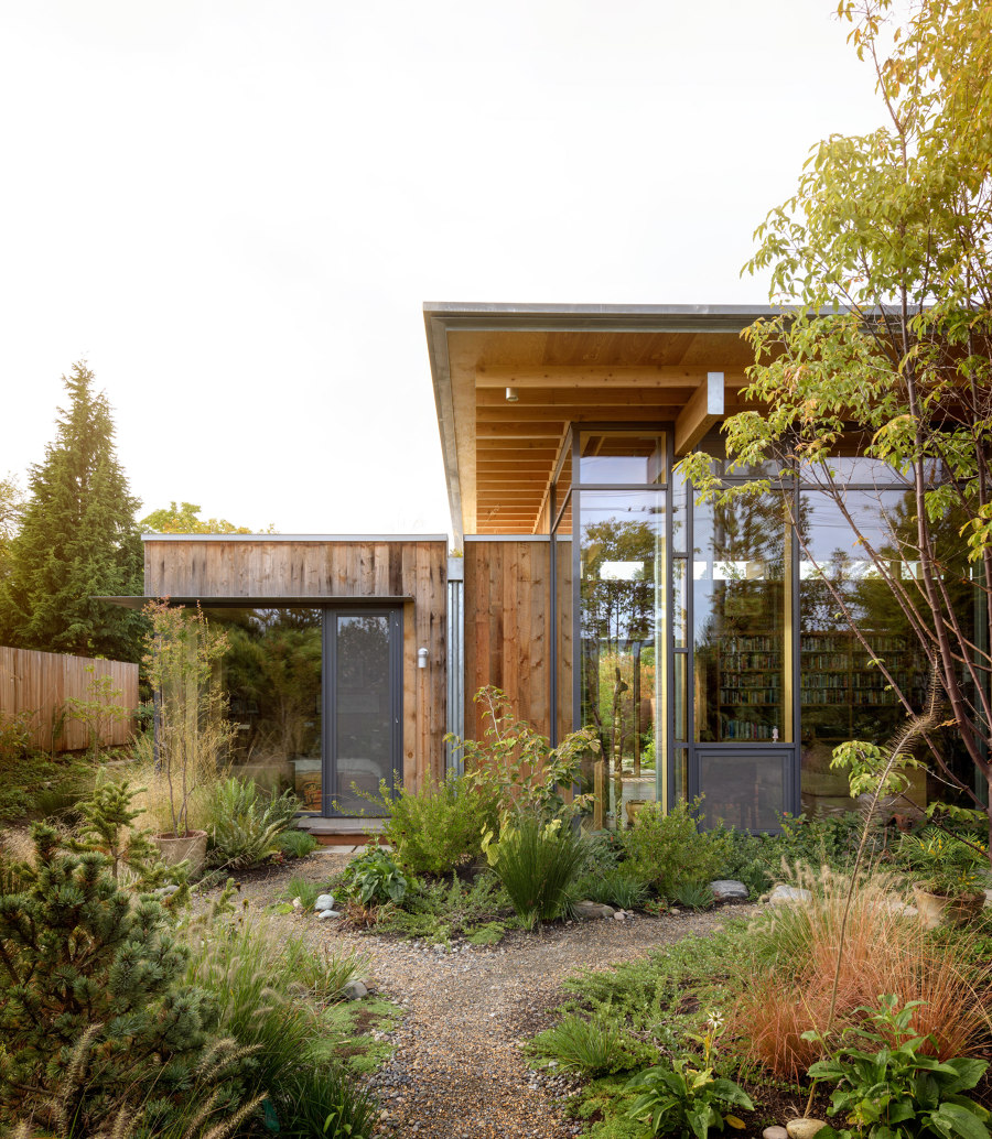 City Cabin by Olson Kundig   Detached houses