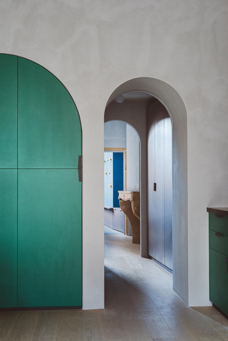Apartment XVII by studio razavi architecture   Living space