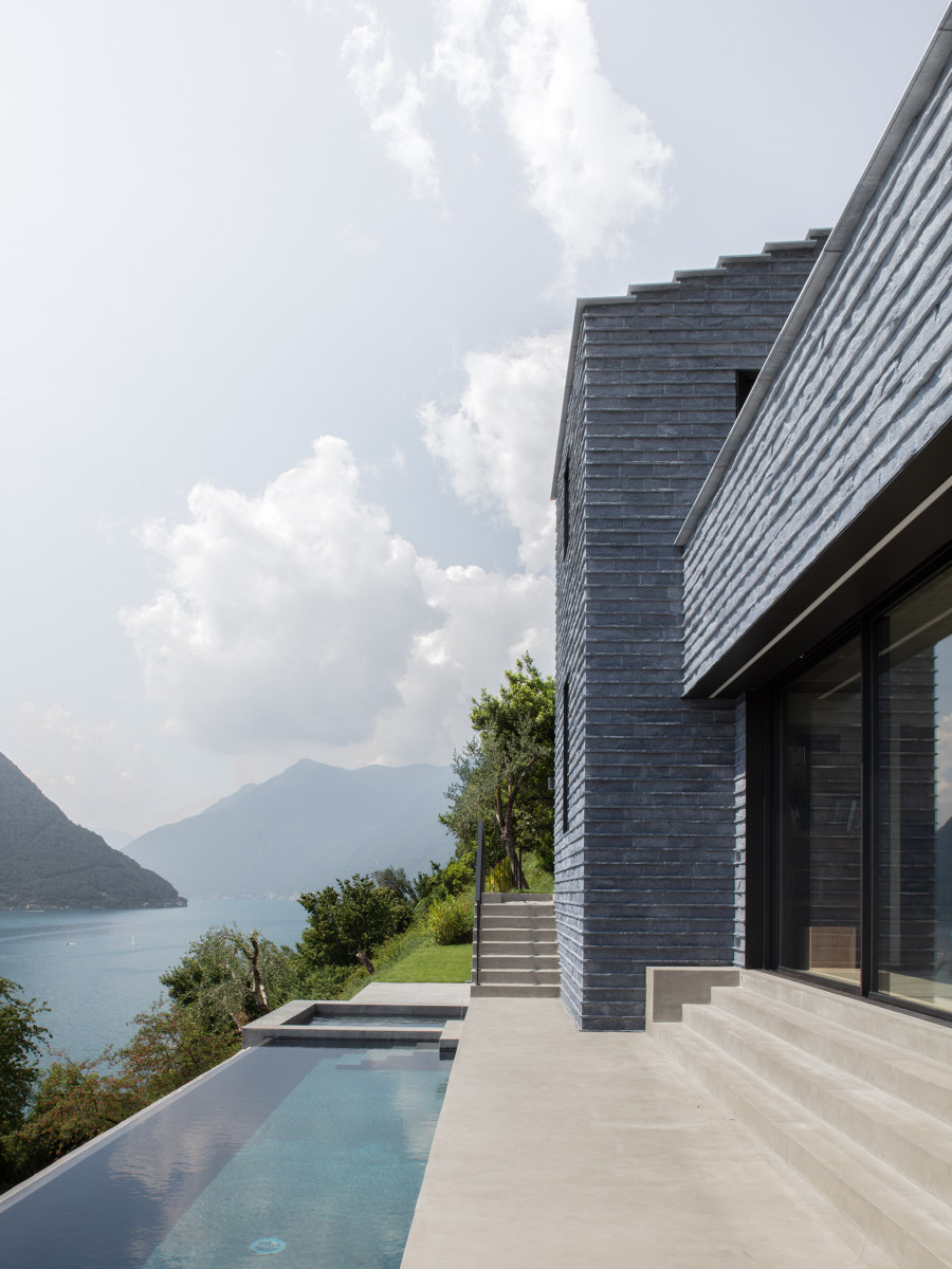 Villa Molli by Lorenzo Guzzini Architecture   Detached houses