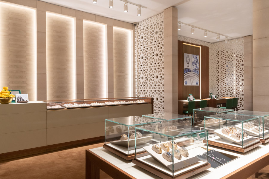Darwish Holding – Doha Jewellery & Watches Exhibition 2020 by DOBAS AG | Trade fair stands