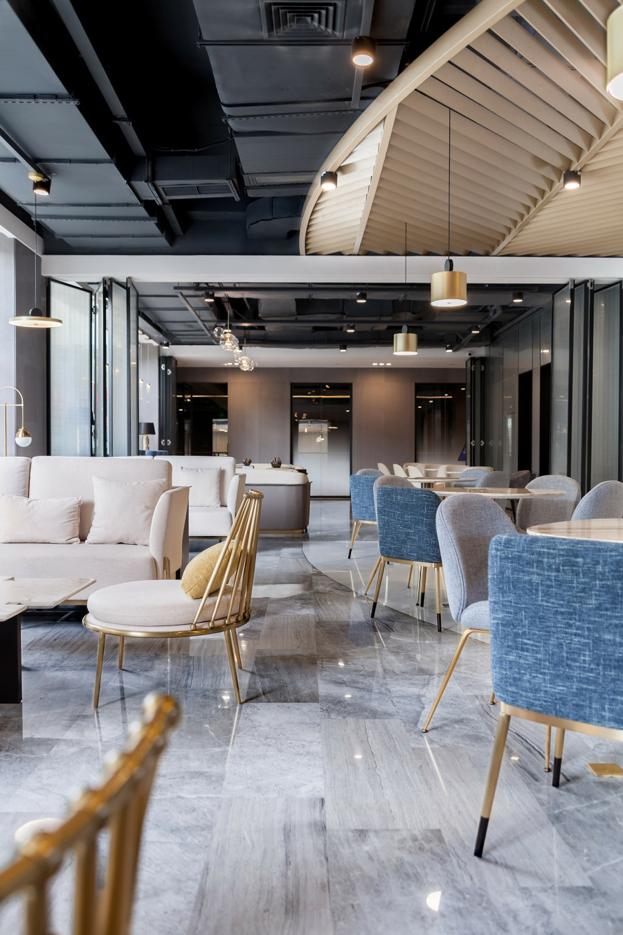 Yanlord Clubhouse Shenzhen by CL3   Bar interiors