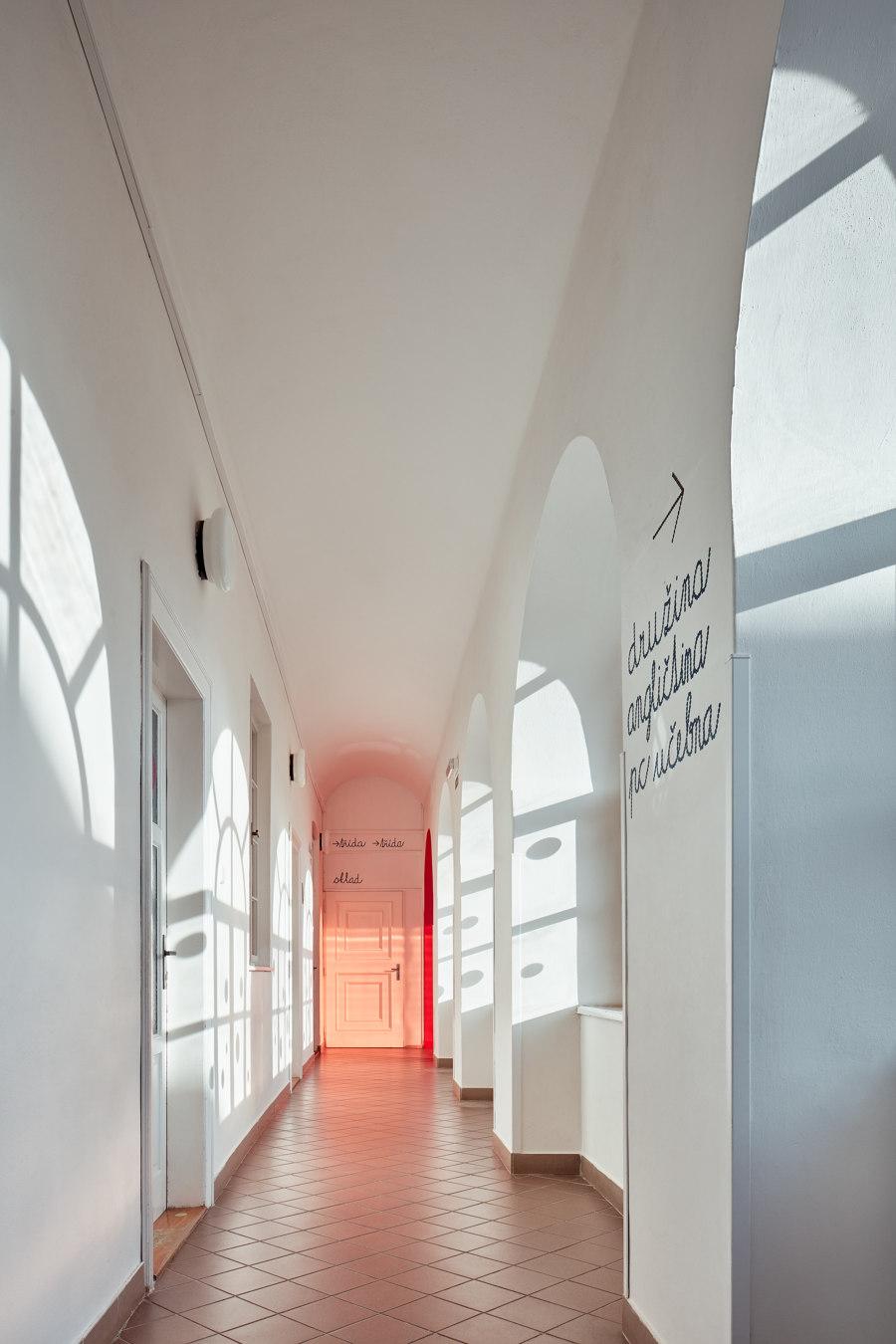 Elementary School Vřesovice by Public Atelier | Schools