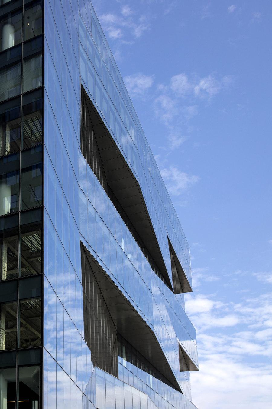 Pier 4 Office Building by Elkus Manfredi Architects | Office buildings