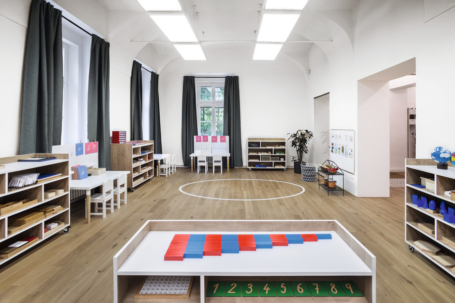 A modern school and kindergarten at the chateau by EGGER | Manufacturer references