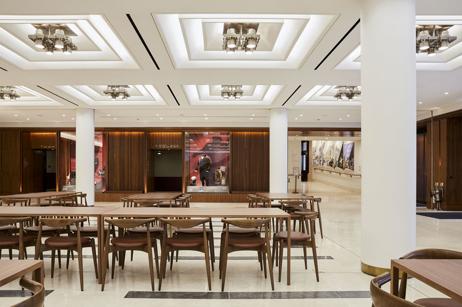 Royal Opera House by Aram |