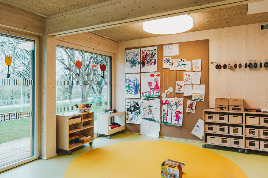 Mobile Kindergarten by Dietrich Untertrifaller Architects | Kindergartens / day nurseries
