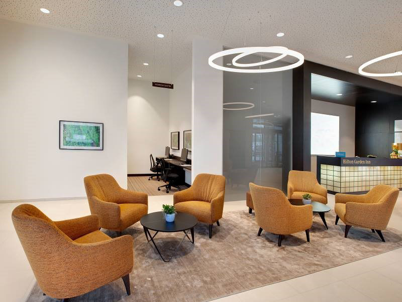 ring light TheO im Foyer des Hilton Garden Inn by leuchtstoff | Manufacturer references