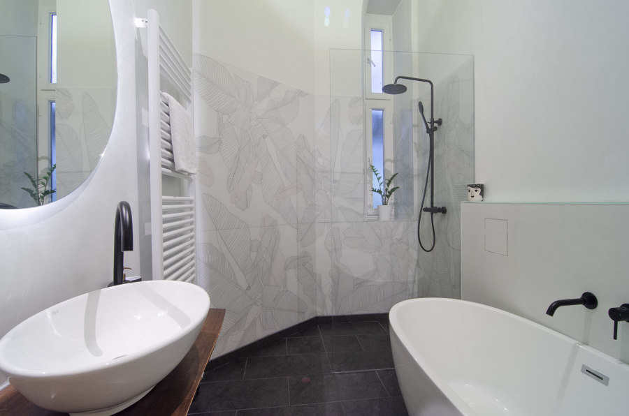 Shower with printed glass walls by Glastrix   Manufacturer references