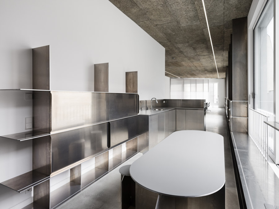BAM Office by Gonzalez Haase Architects | Office facilities