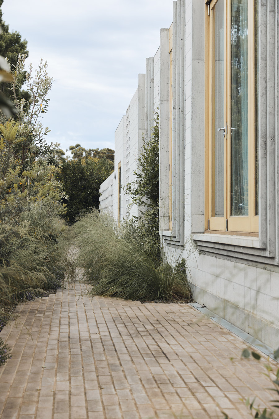 Bellows House by Architects EAT | Detached houses