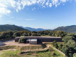 Groupe Scolaire à Strega | Escuelas | Amelia Tavella Architectes