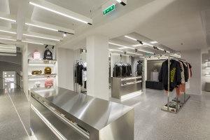 Moschino Showroom   Shop-Interieurs   Fabio Ferrillo