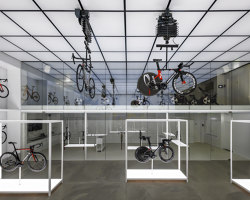 United Cycling Lab & Store | Diseño de tiendas | Johannes Torpe Studios
