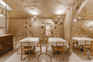 Restaurant Oi Marì | Manufacturer references | Cizeta | L'Abbate