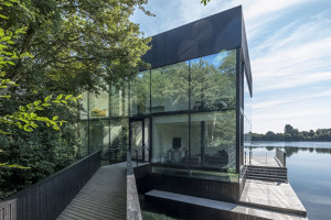 Glass Villa on the lake | Detached houses | Mecanoo