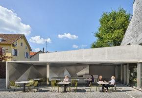 Covered market and exhibition area in Schiltigheim | Café interiors | Dominique Coulon & Associés