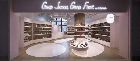 Good Shoes, Good Foot. by REGAL | Shop interiors | Ryusuke Nanki